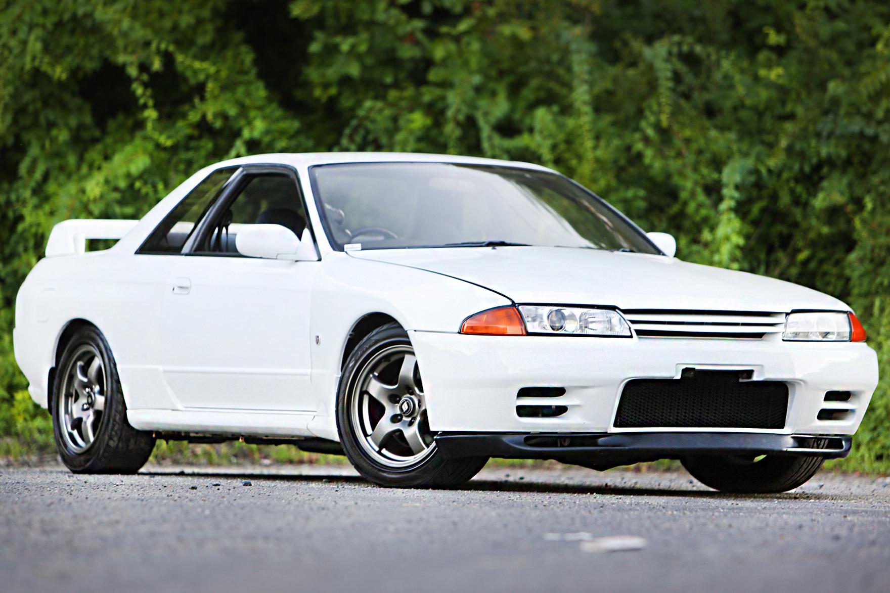 1992 Nissan Skyline R32 GTR - $26,500